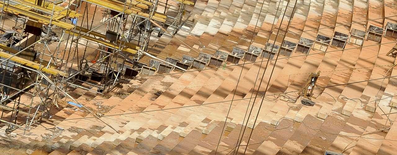 28 de janeiro de 2013: De acordo com notícia recente publicada pelo jornal O Estado de S. Paulo, O Tribunal de Contas do Distrito Federal (TCDF) acusou o governo de uma distorção de R$ 212,3 milhões nos gastos