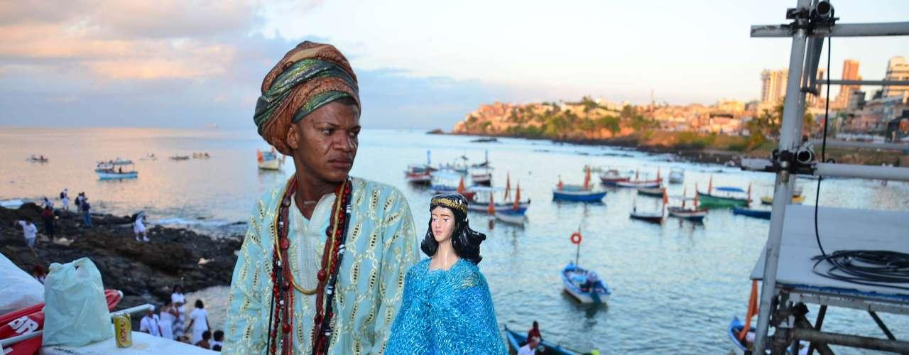Celebração da Festa de Iemanjá acontece no bairro do Rio Vermelho, em Salvador (BA), neste sábado