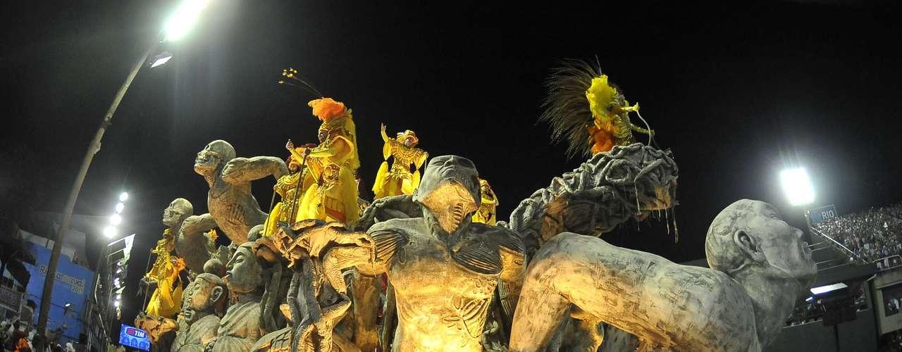 Alegoria no desfile da Belford Roxo