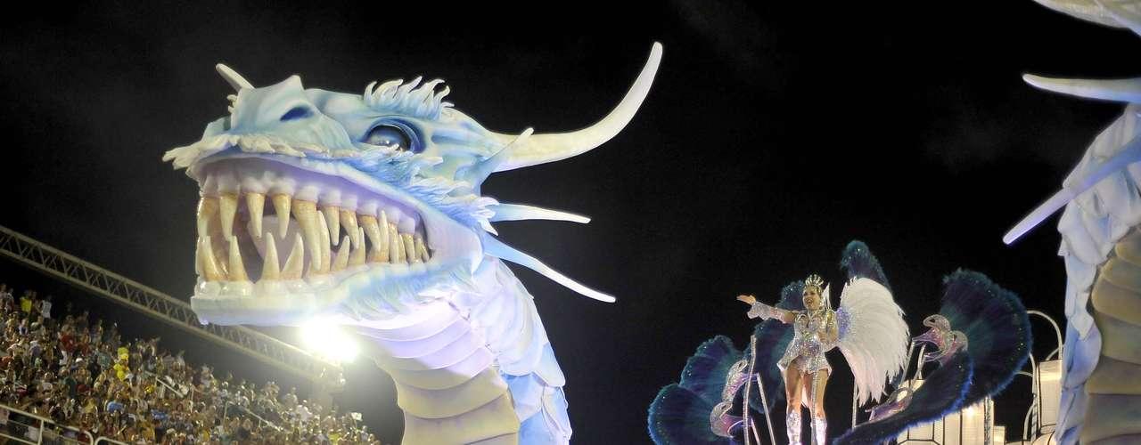 Alegoria da Belford Roxo mostra um dragão