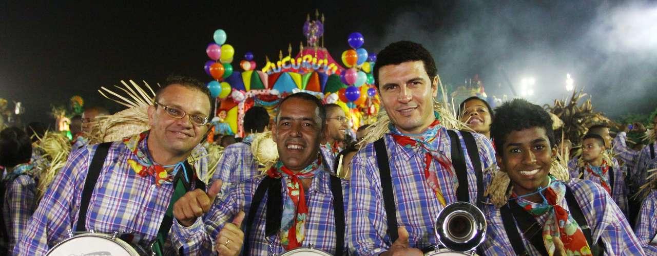 Sexta escola a desfilar neste sábado em São Paulo, Acadêmicos do Tucuruvi homenageou Amácio Mazzaropi