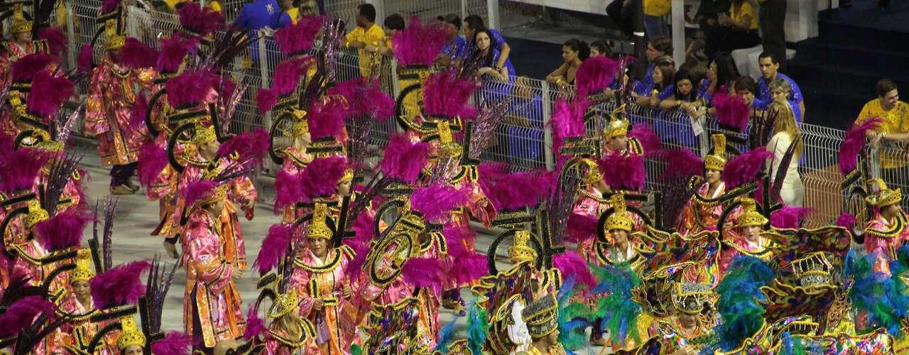 Detalhe das alas do desfile da Vila Maria
