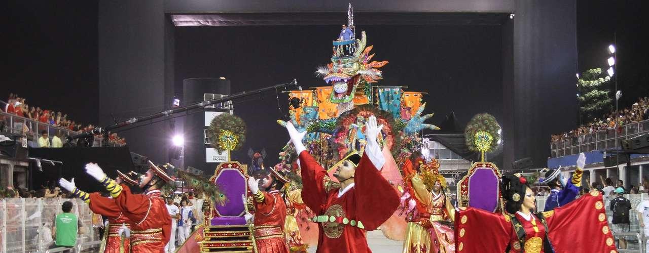 Fantasias da Vila Maria apresentaram inspiração coreana para homenagear imigração