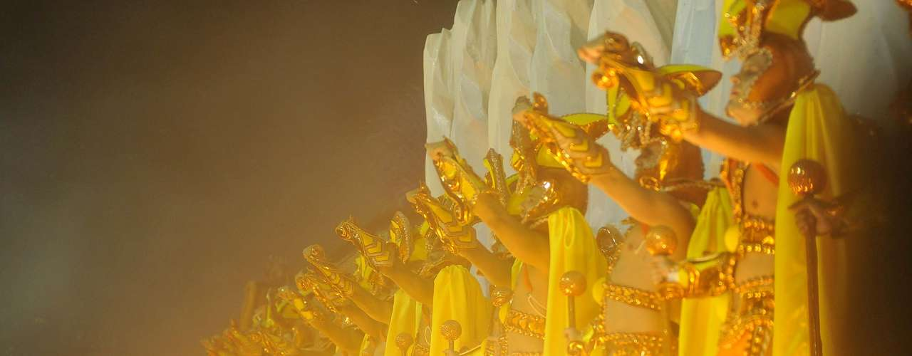 Carnavalesco Paulo Barros preparou apresentação cheia de efeitos