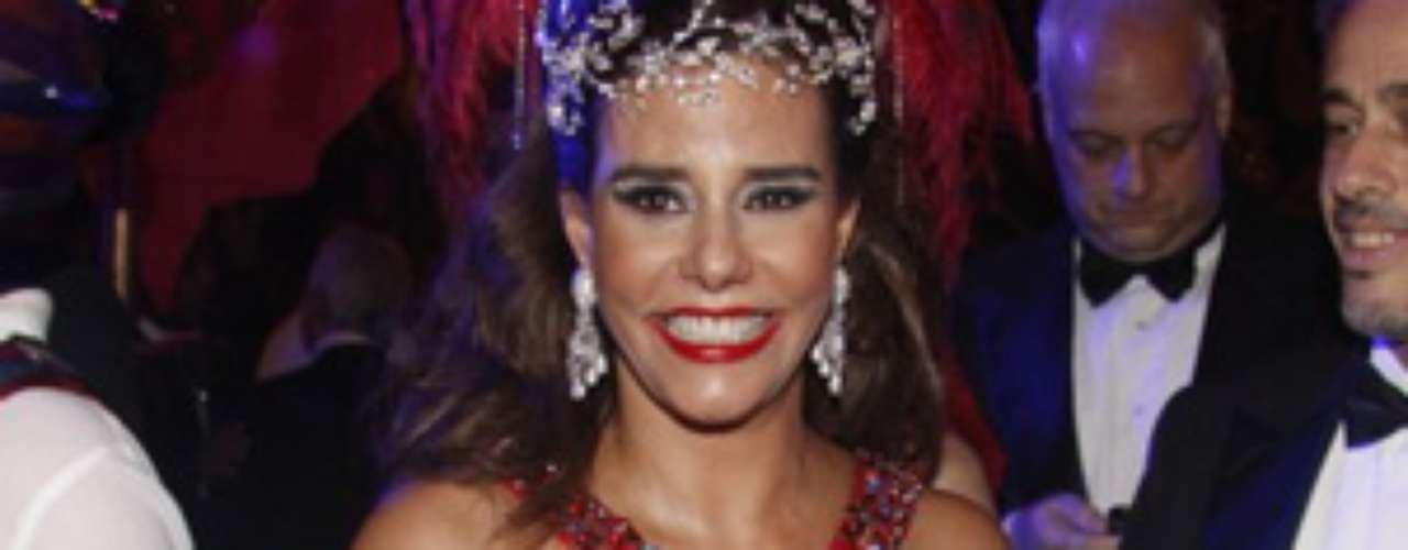 Narcisa Tamborindeguy não perdeu a irreverência durante evento no Copacabana Palace