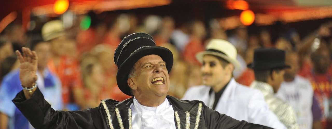 Portela foi a sexta escola a desfilar neste domingo no Carnaval do Rio de Janeiro
