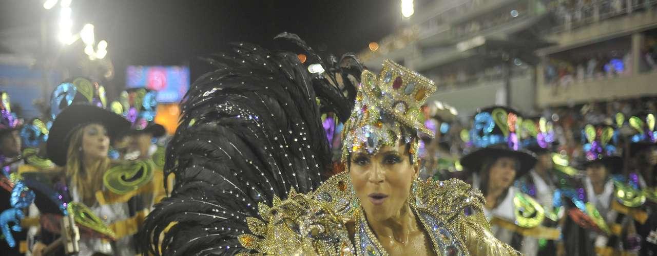 Na primeira noite do Carnaval do Rio de Janeiro, seis escolas se apresentaram