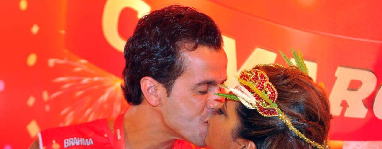 A cantora Preta Gil e o marido
