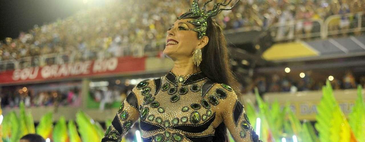 A atriz Christiane Torloni no desfile da Grande Rio