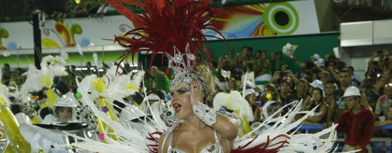 Mirella Santos no desfile da Grande Rio