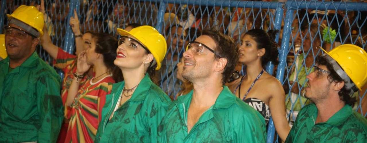 Casal Murilo Rosa e Fernanda Tavares também desfilou pela escola