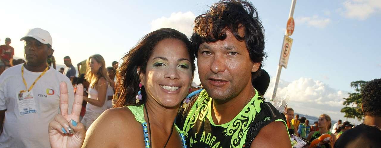 Asa de Águia voltou ao circuito Barra-Ondina nesta terça-feira (12) para comandar o bloco Me Abraça no Carnaval de Salvador