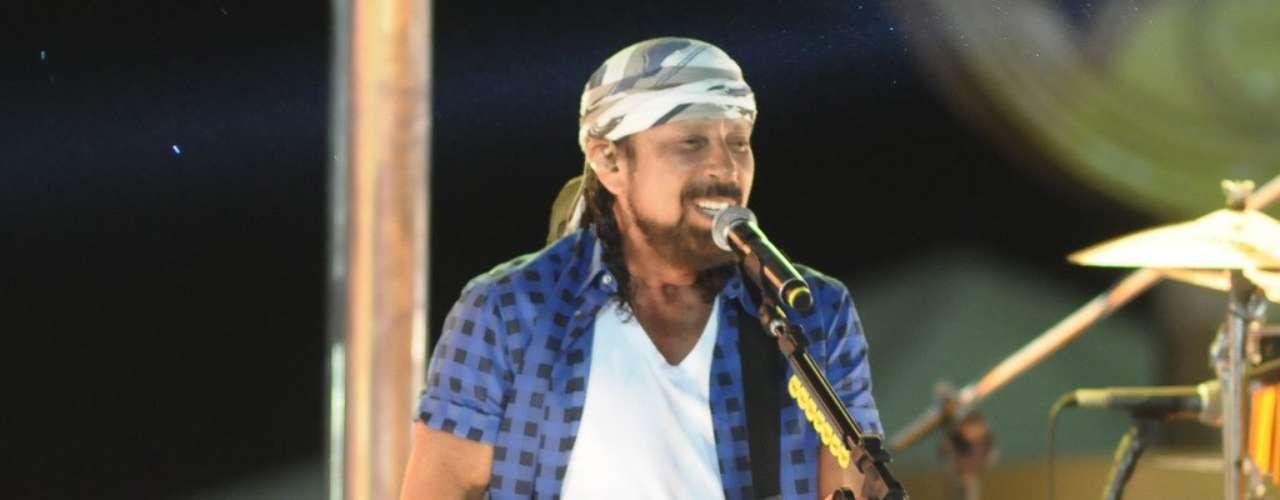 O Chiclete com Banana realizou na noite desta terça-feira (12) sua última apresentação no Carnaval de Salvador em 2013. O grupo saiu no circuito Barra-Ondina já nas últimas horas do dia