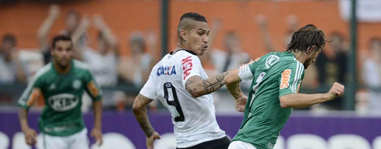Atravessando um melhor momento que o rival, o Corinthians começou bem a partida