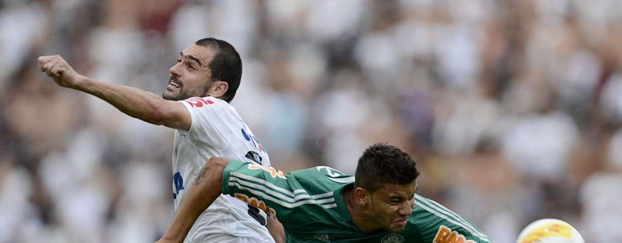Setor ofensivo deu trabalho para o Palmeiras nos primeiros minutos de jogo