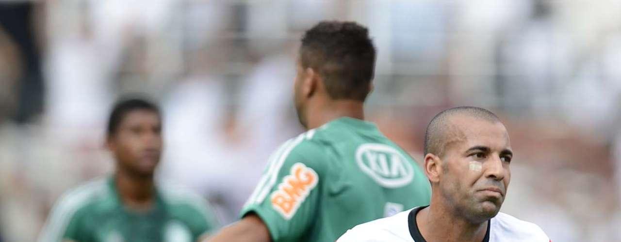 Gol de Emerson representava a superioridade do Corinthians, que acuou o arquirrival no começo do jogo