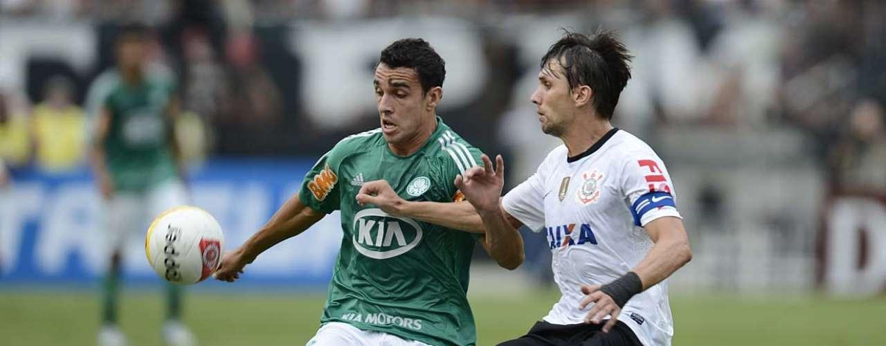 No segundo tempo, Palmeiras promoveu a entrada do atacante Caio, revelação da base