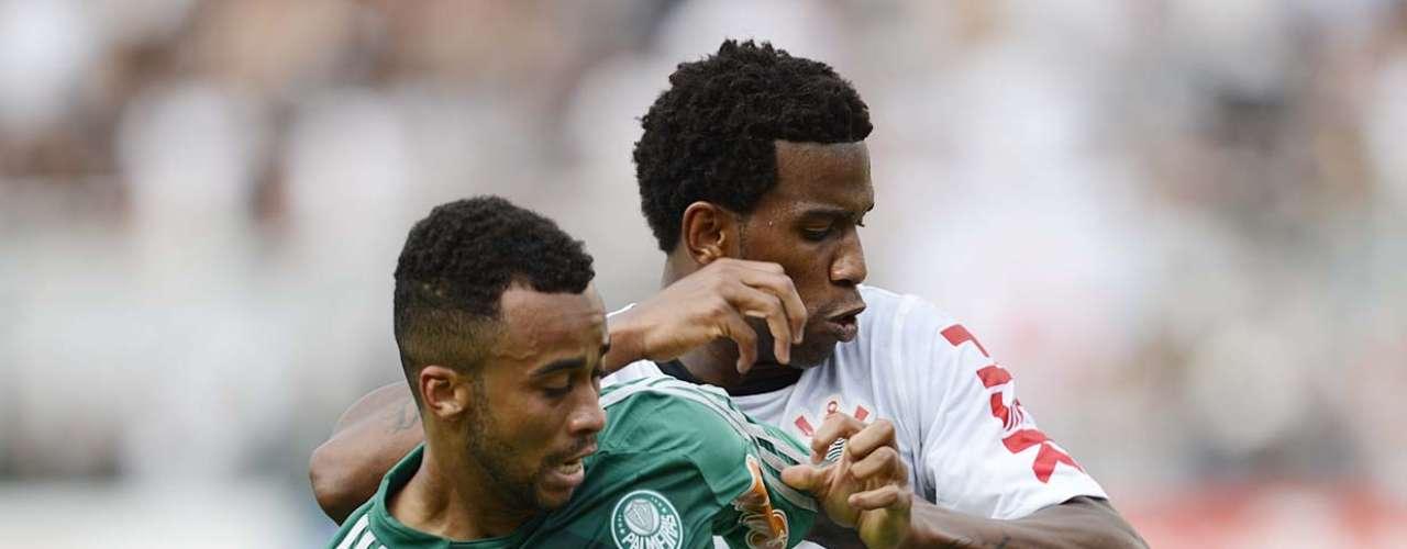 Ao final do jogo, Wesley reconheceu que abusou das jogadas individuais e que poderia ter distribuído mais passes. Ainda assim, o camisa 87 foi responsável por duas assistências