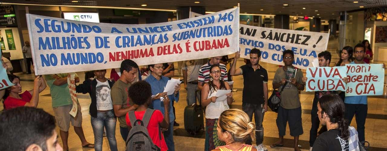 A viagem de Yaoni, uma das vozes mais críticas da ilha, foi possível devido à reforma migratória vigente desde o dia 14 de janeiro em Cuba e após ter recebido negativas durante os últimos cinco anos do governo de Havana para sair do país