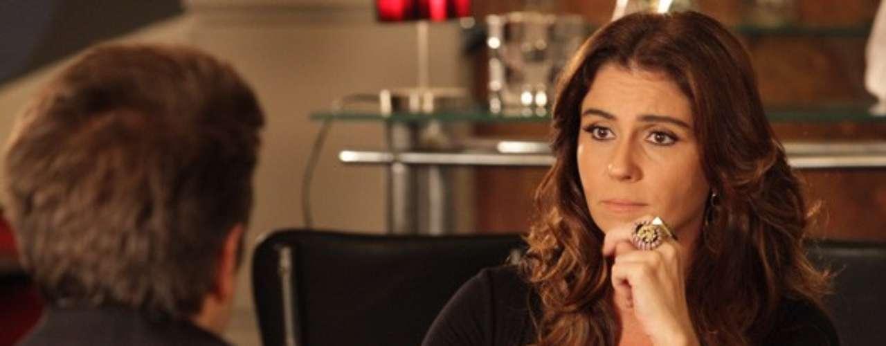 Helô (Giovanna Antonelli) e seu assistente resolverão seguir os passos de Jéssica (Carolina Dieckmann) antes de morrer e passarão a desconfiar que a máfia do tráfico de pessoas está atuando na Turquia