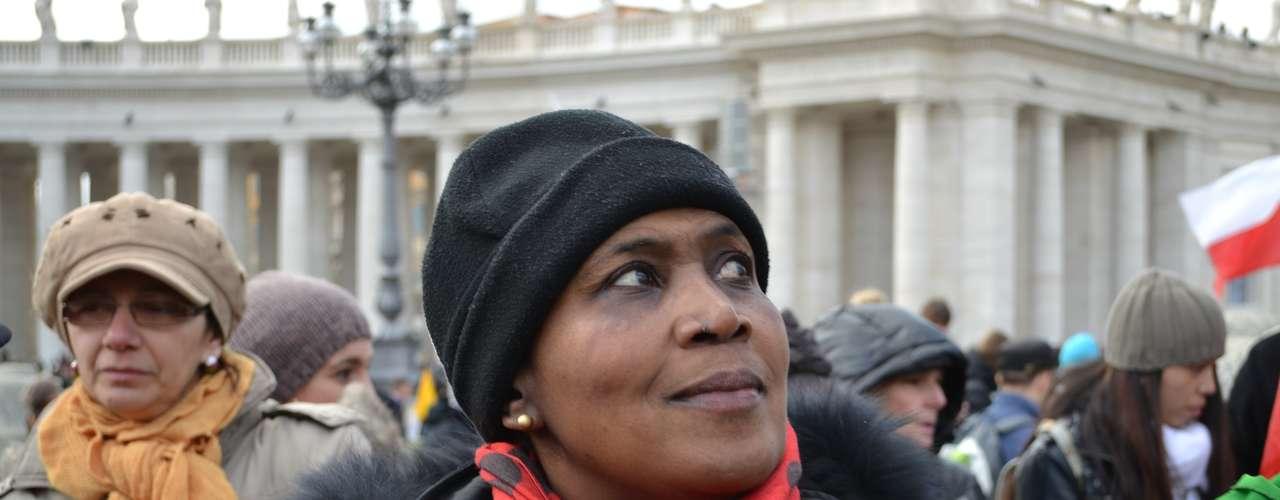 Germânia da Silva, que mora em Roma desde 1985, estava na Praça São Pedro