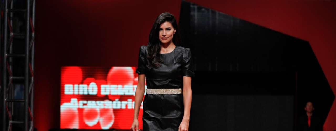 Mariana Felícia desfilou no Mega Polo Moda