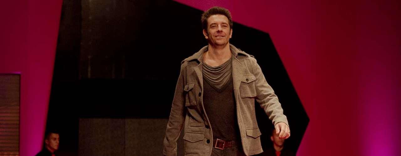 Alexandre Barros foi mais um famoso que desfilou no evento
