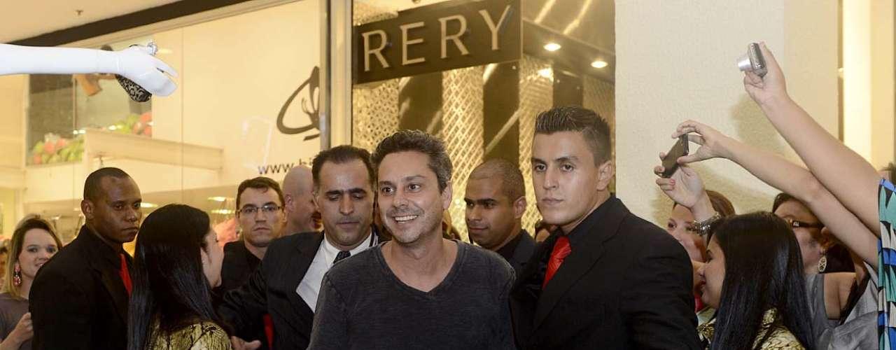 Alexandre Nero tirou fotos com fãs