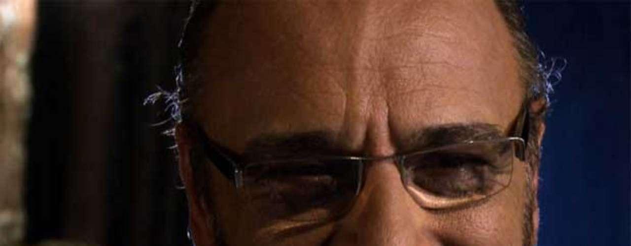 Morreu, nesta segunda-feira, em São Paulo, o ator Luiz Baccelli, em decorrência de uma parada cardíaca. Ele tinha 69 anos. Na foto, em cena de seu longa mais recente, 'E a Vida Continua...'
