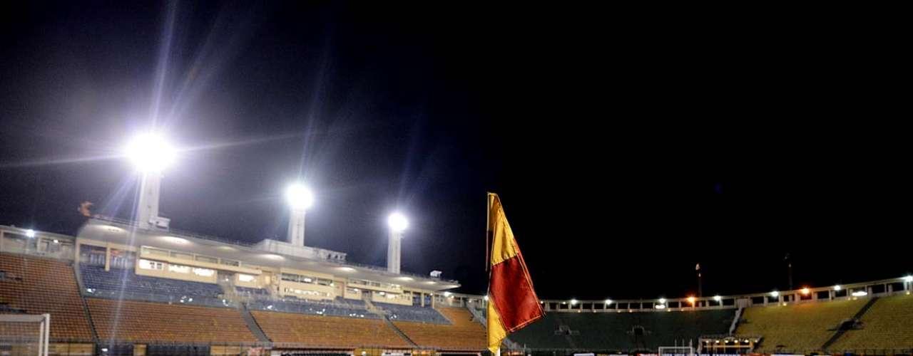 Na primeira partida na Libertadores 2013, Corinthians empatou por 1 a 1 com o San José, na Bolívia