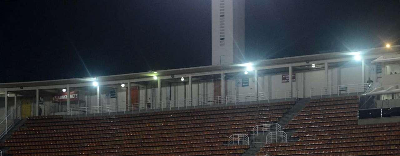 Corinthians jogou no Pacaembu vazio por determinação da Conmebol