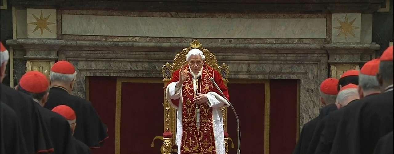 Bento XVI agradece o apoio dos cardeais que o acompanharam durante os oito anos de Papado