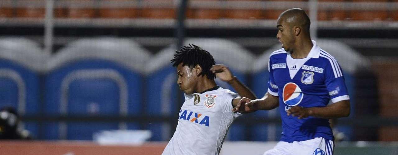Romarinho entrou no lugar de Danilo no segundo tempo