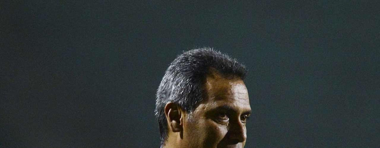 Técnico Hernán Torres comanda Millonarios no Pacaembu