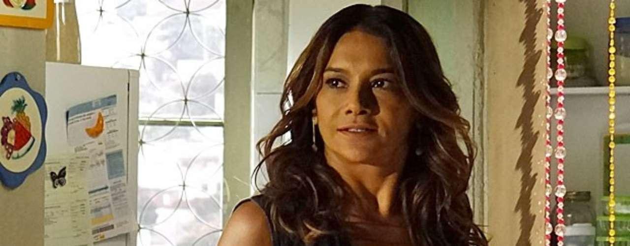 Lucimar (Dira Paes) vai pedir que Sheila (Lucy Ramos) marque um encontro com Wanda (Totia Meirelles) e arma uma emboscada para a vilã
