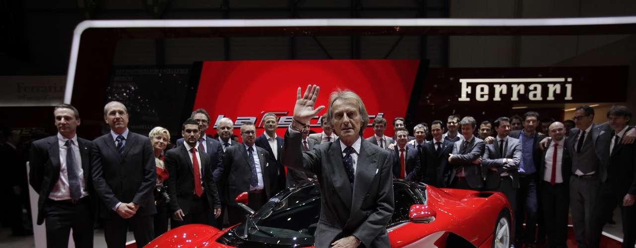 O superesportivo faz uma volta completa no circuito de Fiorano com tempo abaixo de 1min20 - 5 segundos a menos que a Ferrari Enzo e 3 segundos mais rápido que a F12berlinetta lançada no ano passado também no salão de Genebra