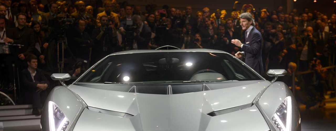 A Lamborghini apresenta nesta terça-feira em Genebra, na Suíça, um superesportivo que celebra os 50 anos da marca neste ano