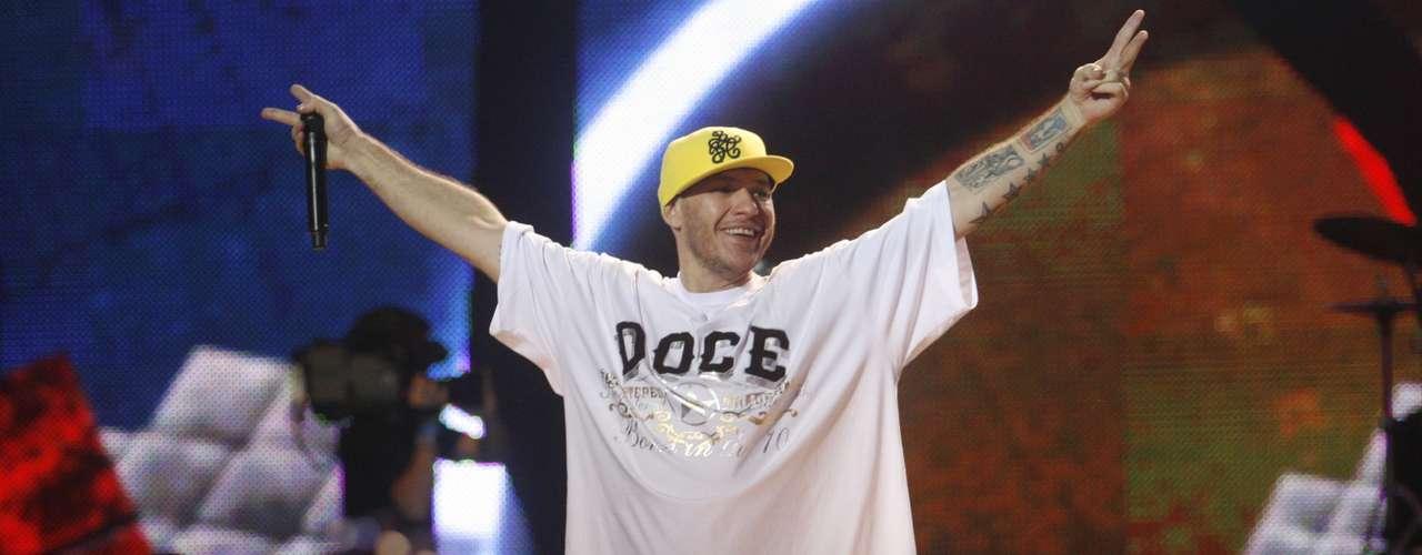 O músico Chorão, vocalista da banda Charlie Brown Jr, foi encontrado morto, em casa, no bairro de Pinheiros, na zona oeste de São Paulo, na madrugada desta quarta-feira
