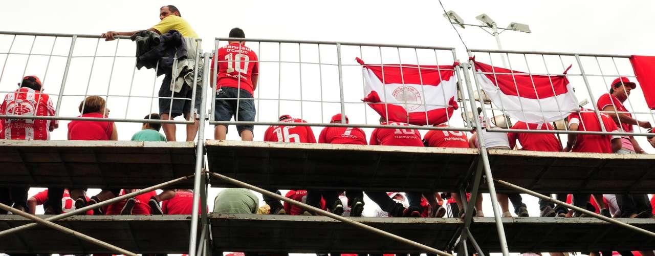 Arquibancada do Estádio 19 de Outubro contou com bastante público