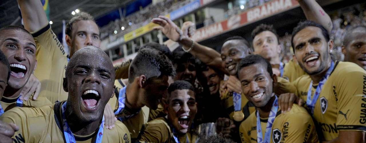O Botafogo conquistou neste domingo o título da Taça Guanabara ao vencer o Vasco por 1 a 0, no Engenhão