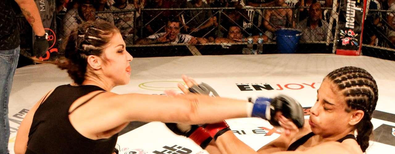 Lívia Renata finalizou Cintia Candela com uma chave de braço no primeiro round