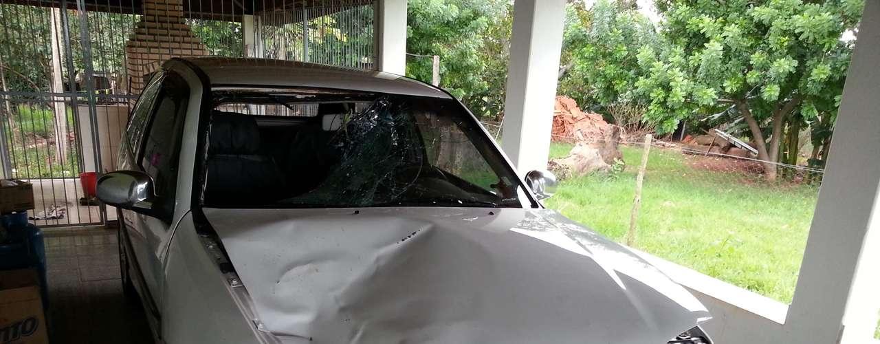 10 de março de 2013 - Motorista atropela e mata três ciclistas na rodovia Jarbas de Moraes (SP-561), no interior de São Paulo, e foge sem prestar socorro. O motorista só pôde ser identificado porque sua acompanhante, que estava no carro na hora do acidente, fraturou um dos braços e, ao procurar um pronto-socorro para se tratar, foi identificada pela polícia e apontou quem era o motorista do Gol. José Roberto Negrão, 49 anos, deve se apresentar à polícia de Santa Albertina (SP) nesta semana