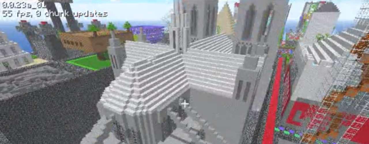 Área externa da Catedral de Notre Dame