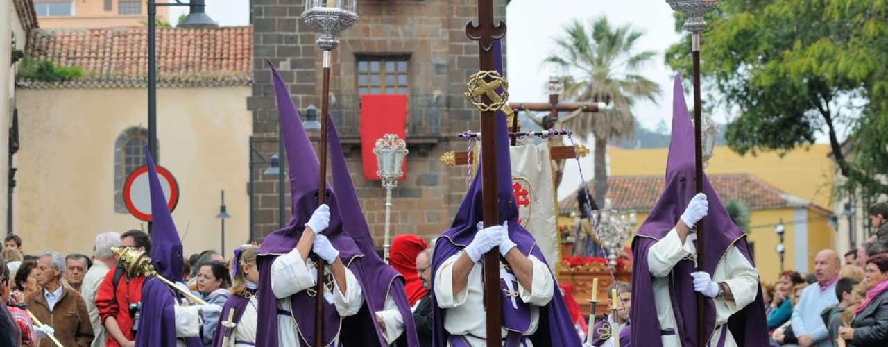 Bastante religiosa, a Páscoa na Espanha é marcada por procissões e representações teatrais sobre a vida de Jesus Cristo