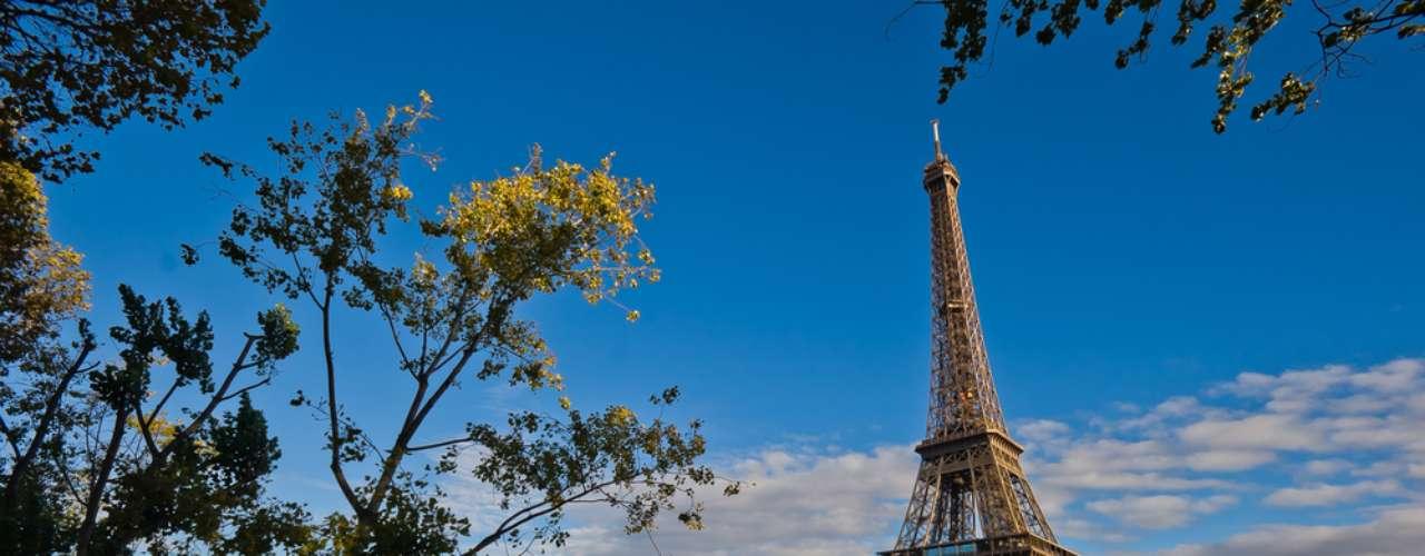 Já na França, os sinos das igrejas não são badalados entre a Sexta-feira da Paixão e o Domingo de Páscoa