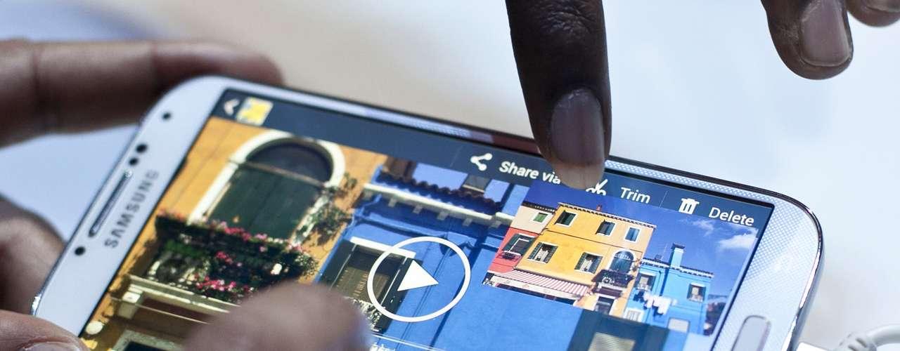 Tela do novo smartphone da Samsung tem 5 polegadas e tem resolução de 1080p
