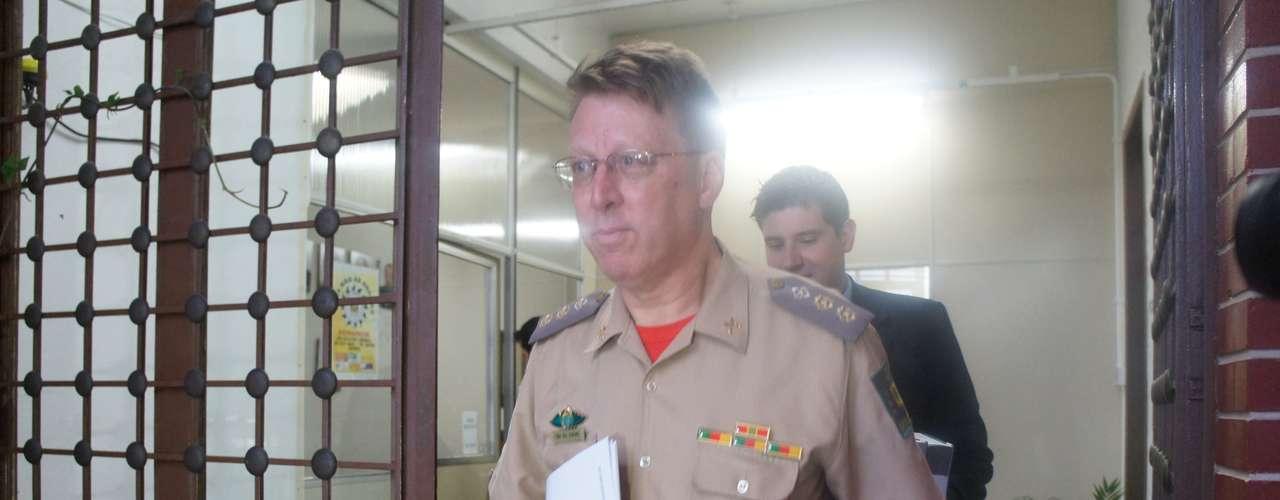 14 de março - O comandante do 4º Comando Regional do Bombeiros, tenente-coronel Moisés Fuchs, prestou depoimento na 1ª DP