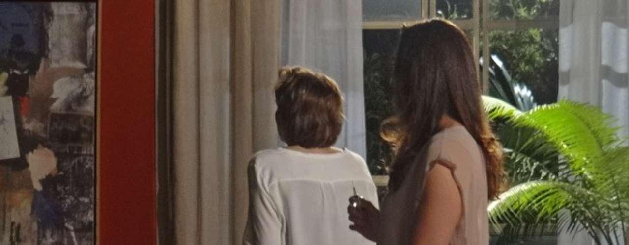 Lívia (Claudia Raia) perceberá que Rachel (Ana Beatriz Nogueira) está vendo e sabendo demais sobre Wanda (Totia Meirelles)