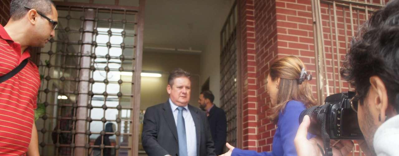 15 de março -O chefe de Polícia do Estado, delegado Ranolfo Vieira Júnior, esteve em Santa Maria para acompanhar o inquérito
