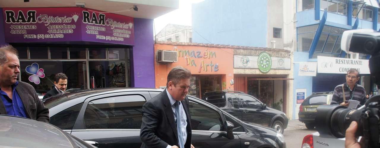 15 de março - O chefe de Polícia do Estado, delegado Ranolfo Vieira Júnior, esteve em Santa Maria para acompanhar o inquérito